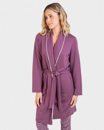 Bata de dona curta creuada amb cinturó