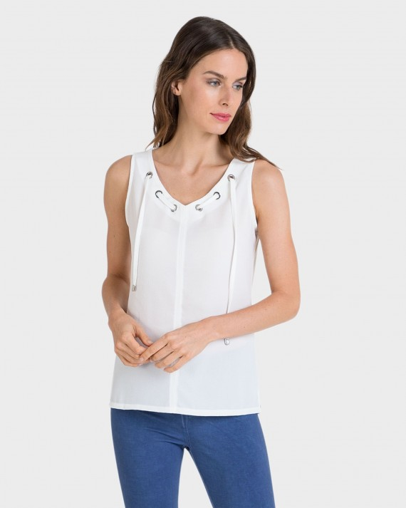 Camiseta de mujer sin mangas en crudo