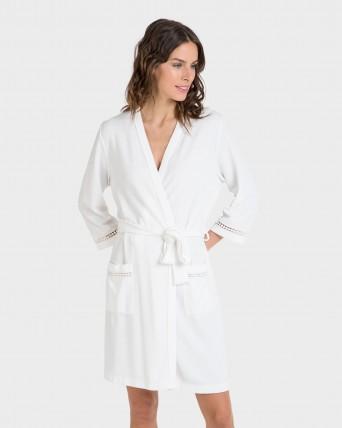 Bata de mujer blanca manga francesa