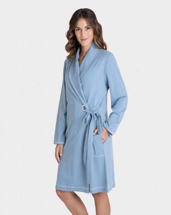 Bata de mujer azul claro